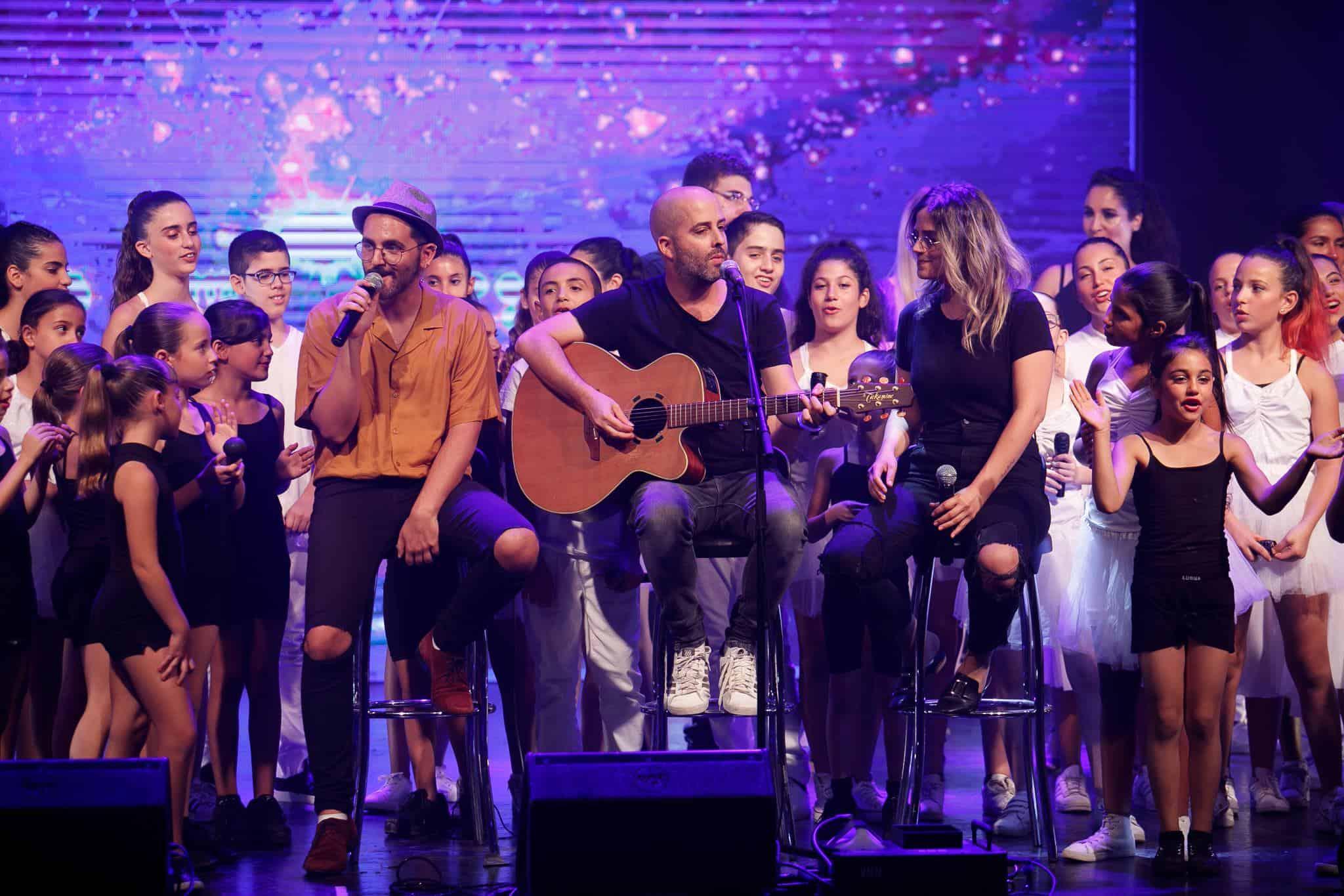 עילי בוטנר וחברי הלהקות מחולון על הבמה, צילום: אפי יוספי
