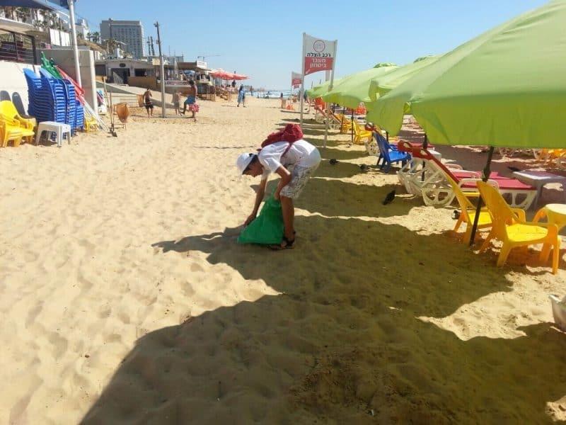 נציג סיירת מרחב בפעילות בחוף.השנה שהייתה