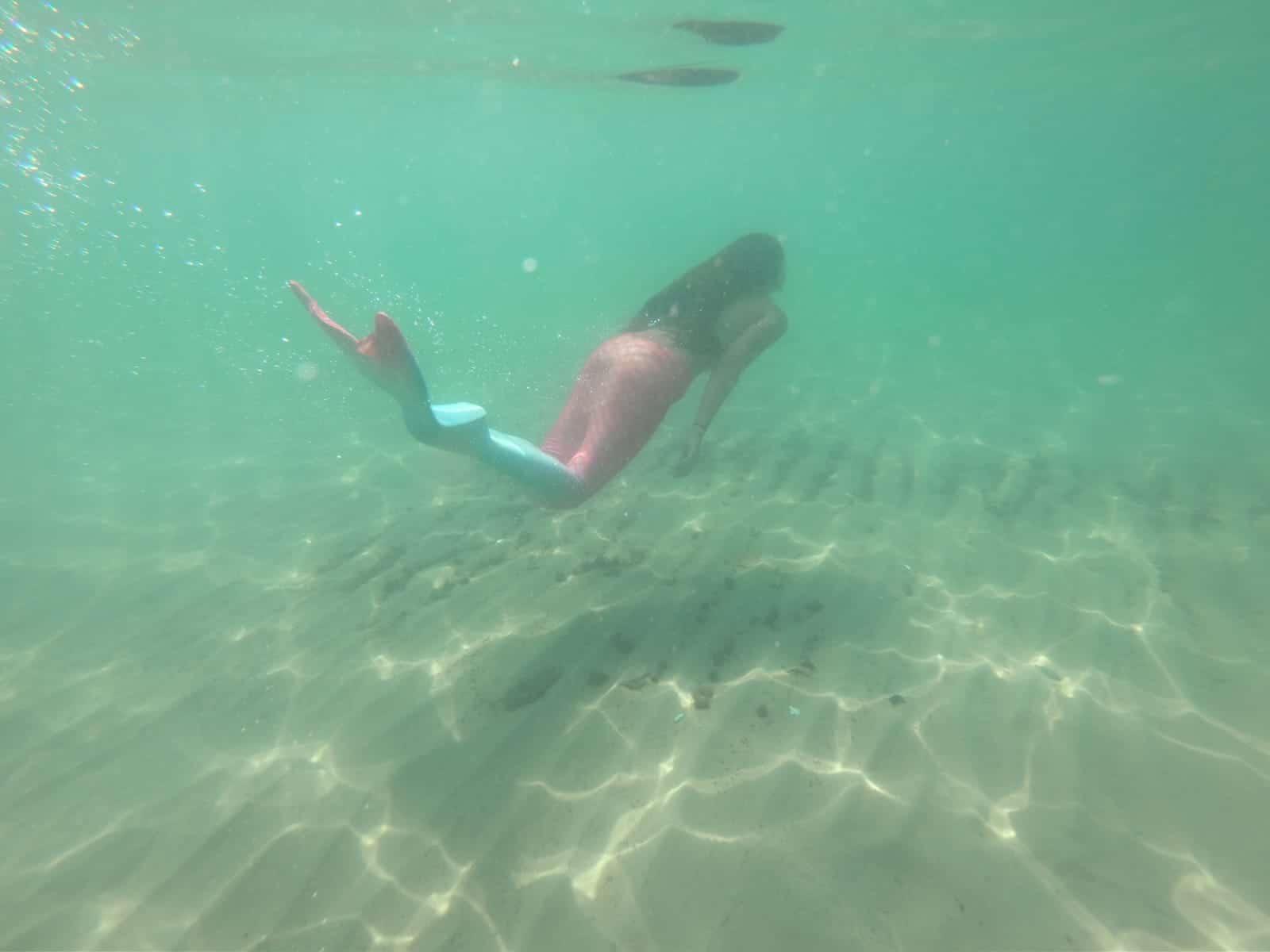 בנות ים בבת ים