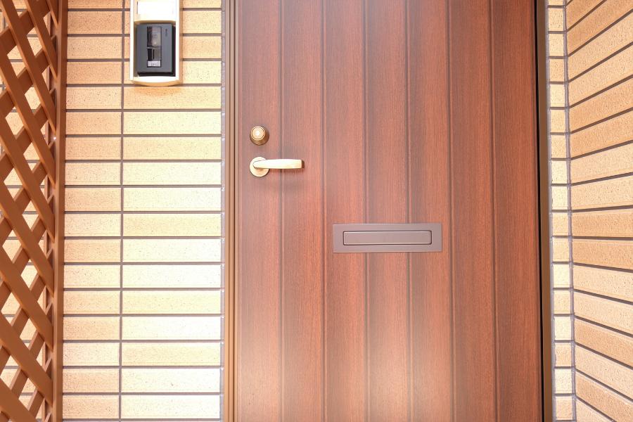 ליעד מרום – canva דלתות חוץ