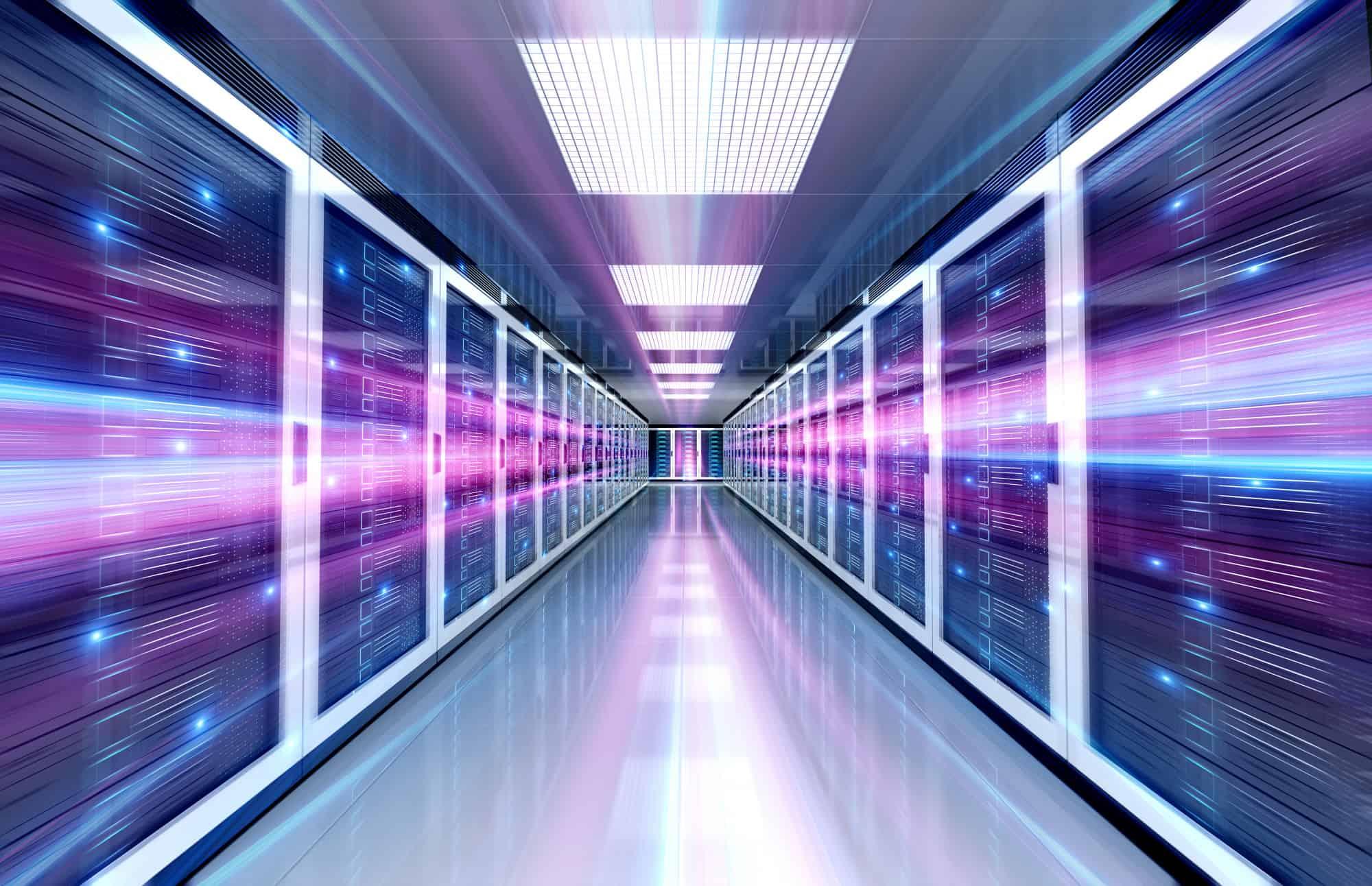 בסט לינקס קרדיט תמונה: freepikservers-data-center-room-with-bright-speed-light-through-corridor